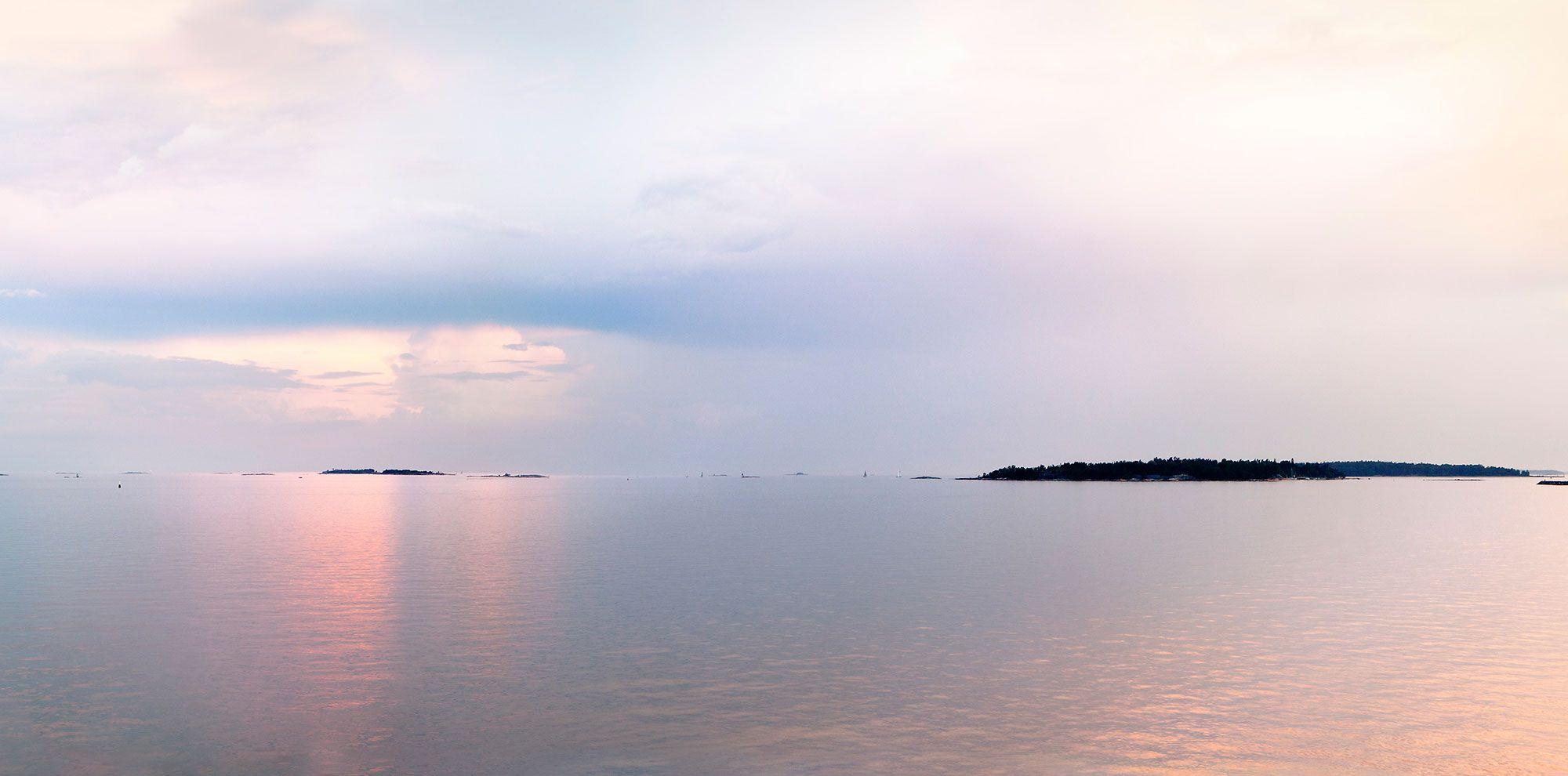自然が生み出す、美しい光と色を原田が撮影した1カット。Meri 2019