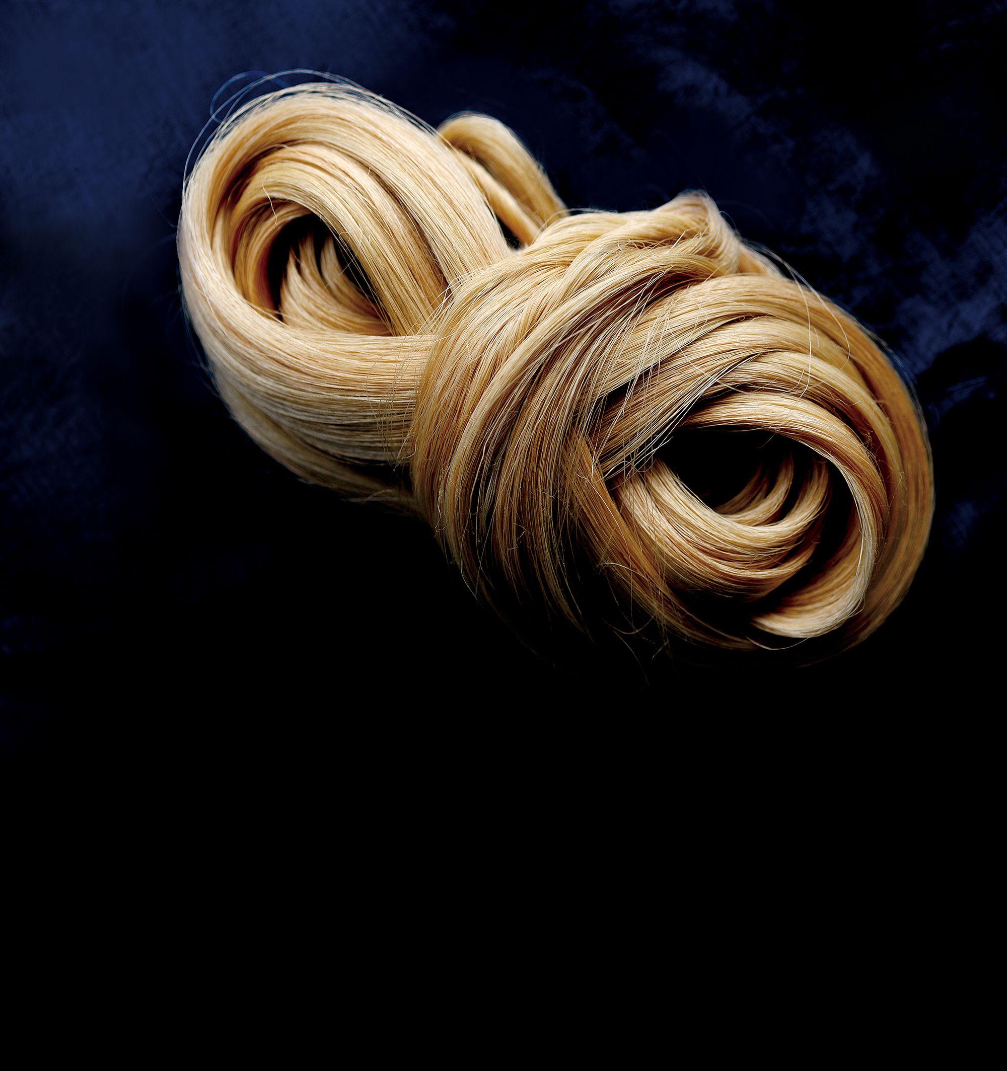 宮古上布の極細の糸は繊細でありながら、島のおばあの強い生命力を秘めている。写真提供:NPO法人織の海道実行委員会