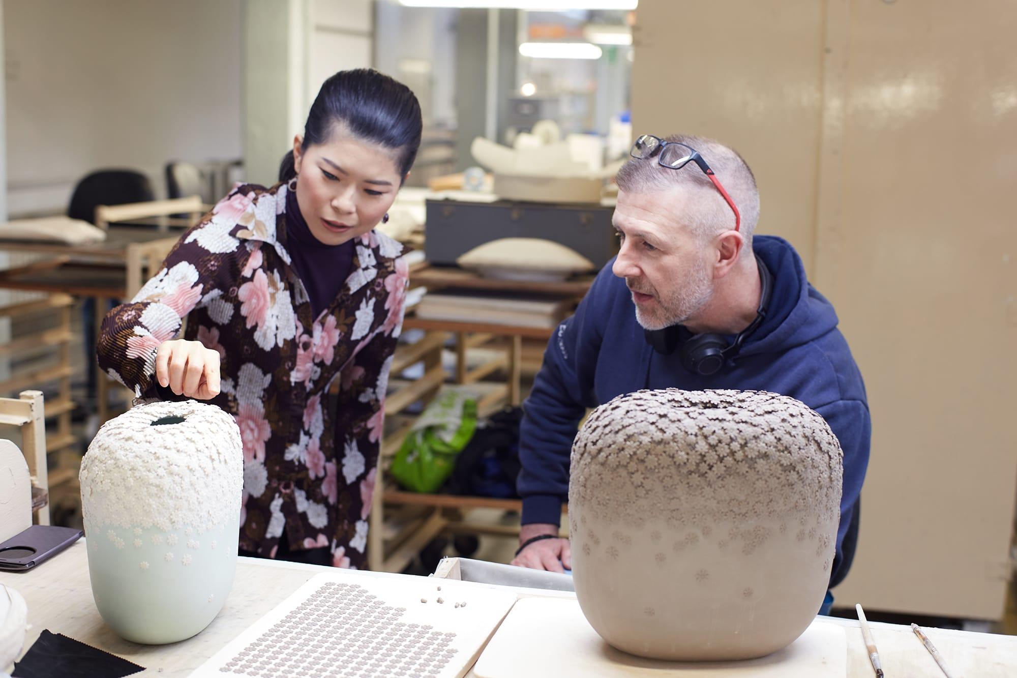 大英博物館やヴィクトリア&アルバートなどで作品が展示されている陶芸家、細野仁美氏。