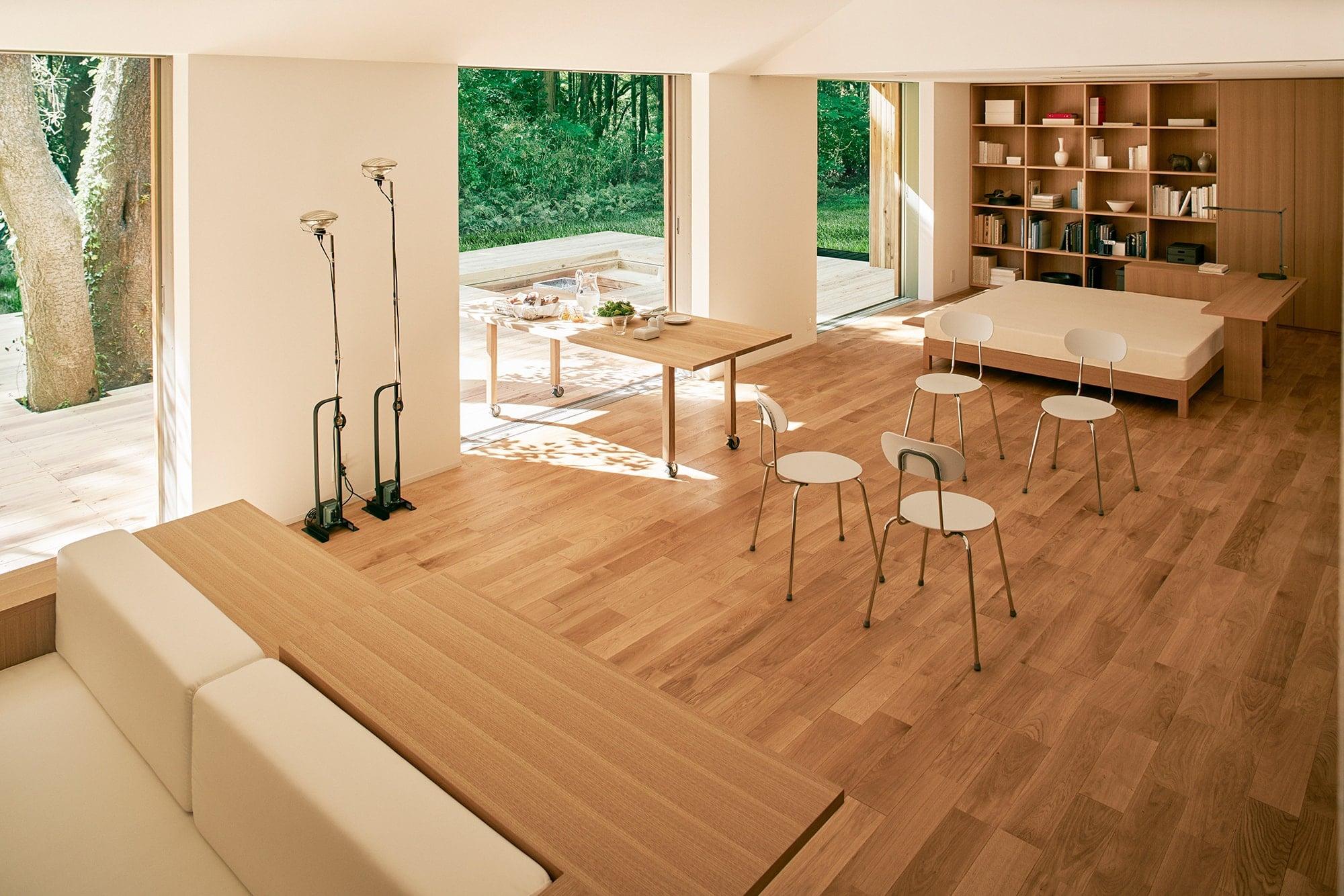 内部は間仕切りの少ない大空間が広がる。ライフスタイルに合わせてプランを変えることも可能。