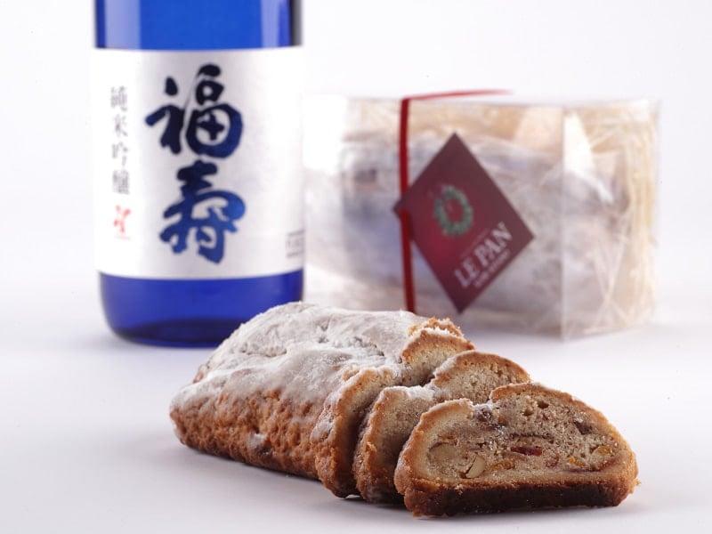 日本酒に漬けたドライフルーツが芳醇な味わい。ル・パン神戸北野の「クリスマス シュトーレン」。