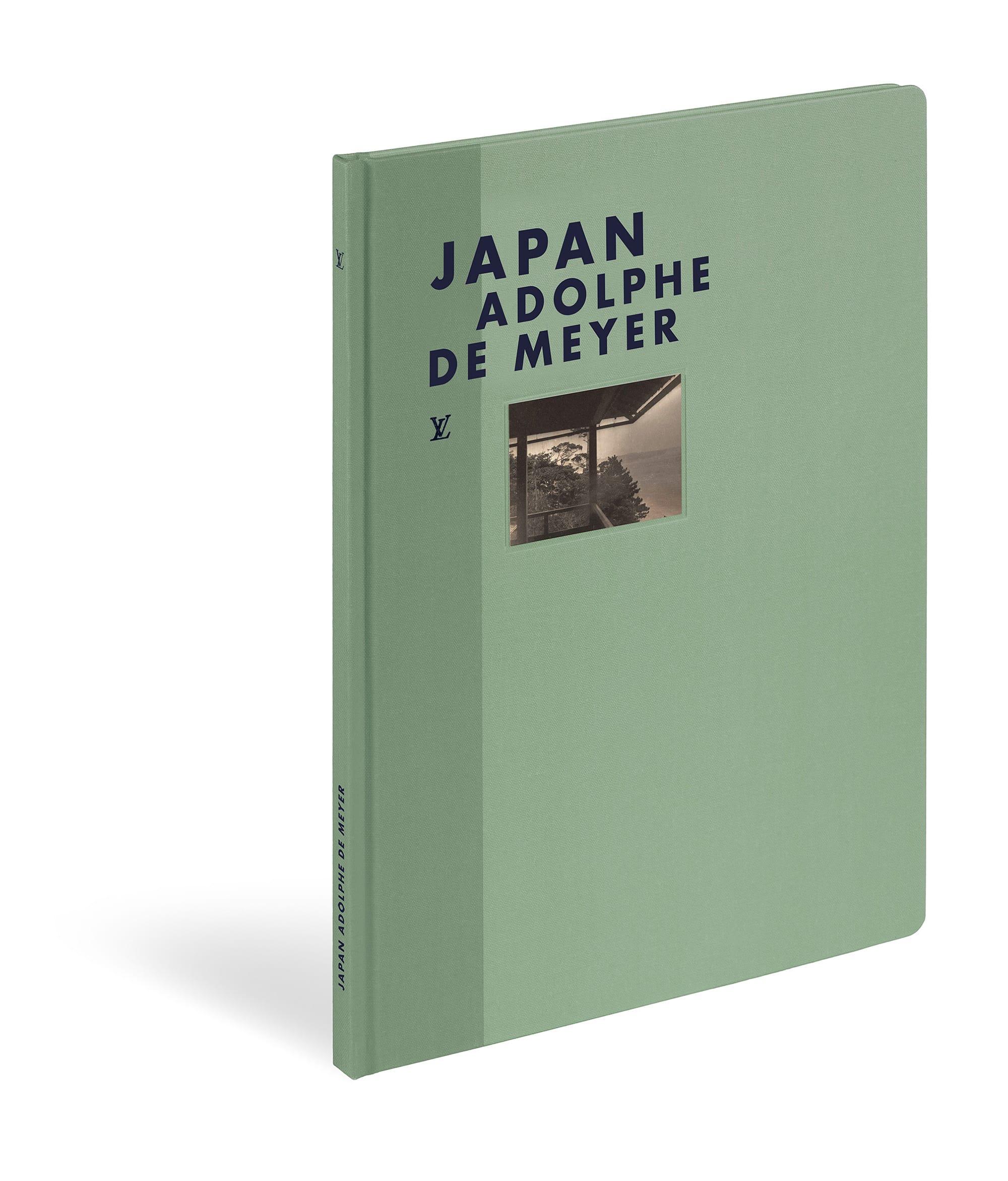 ファッション写真の第一人者、アドルフ・ド・メイヤーの作品からセレクトした「ファッション・アイ ジャパン」。