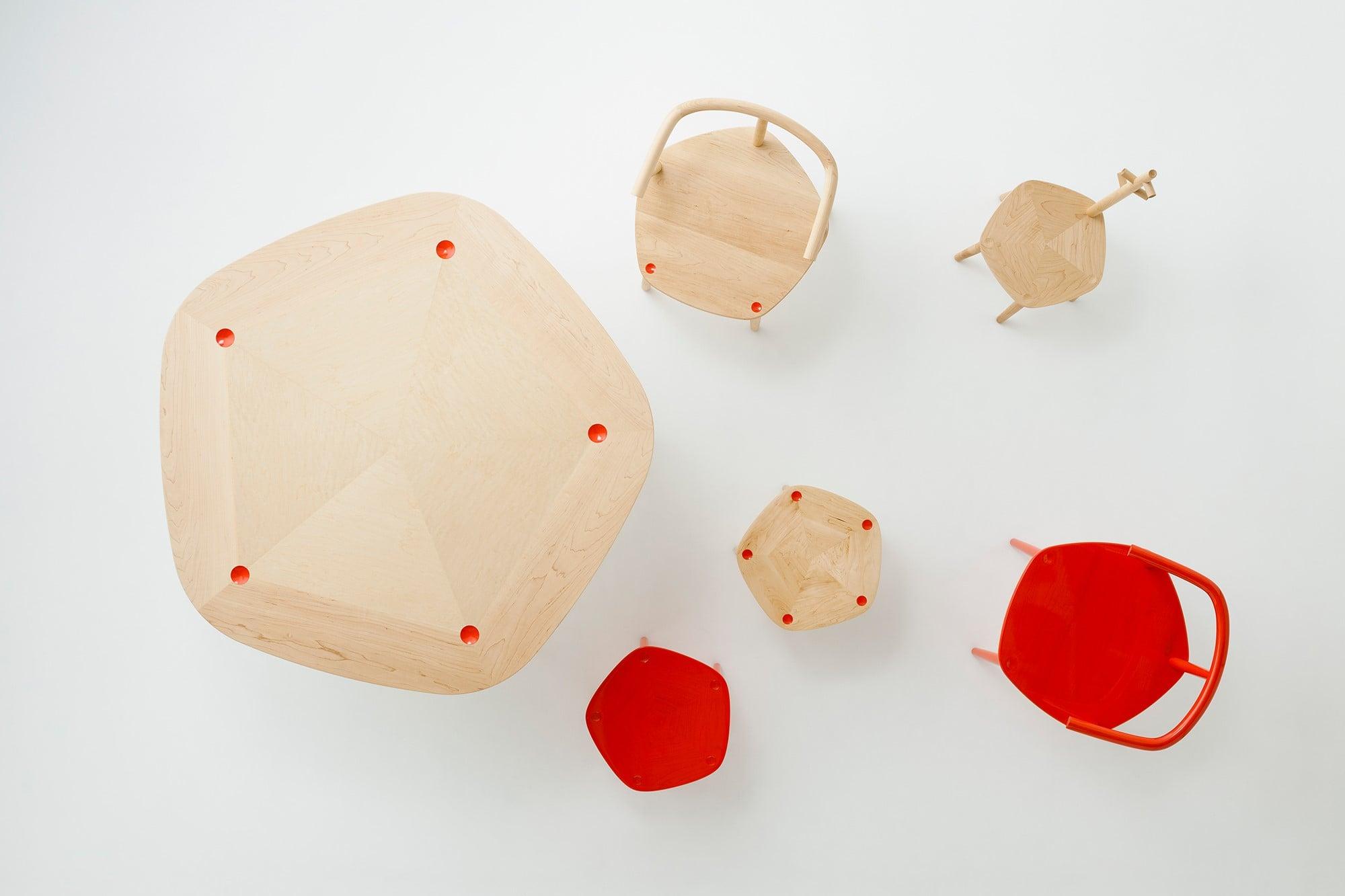 日本の新進木工ブランドとのコラボレーションで生まれたCKRの作品「FIVE wooden furniture collection for MEETEE」。