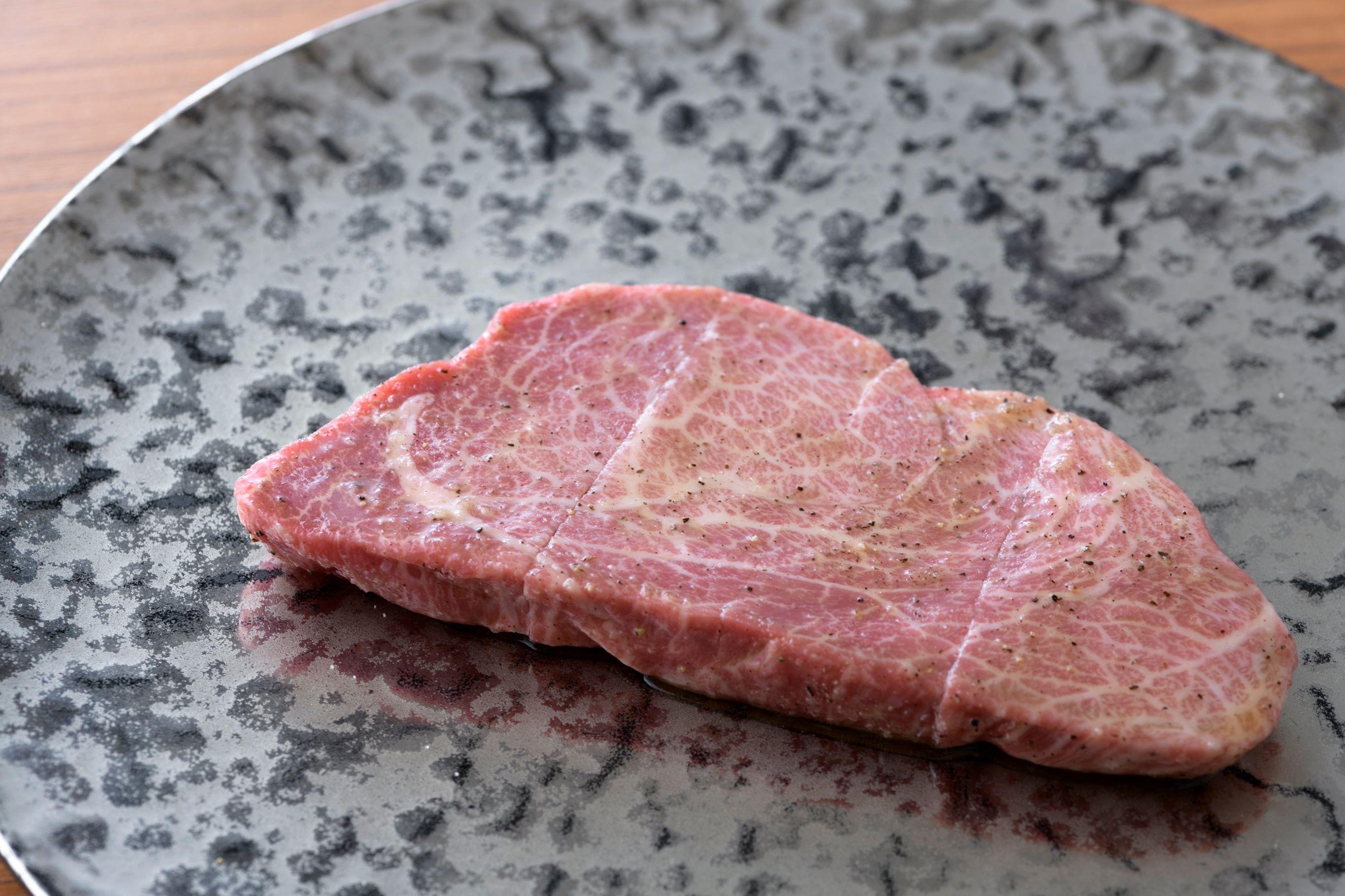 「焼肉矢澤」の自慢、最高級黒毛和牛はダイエットにふさわしい、低糖質メニュー。