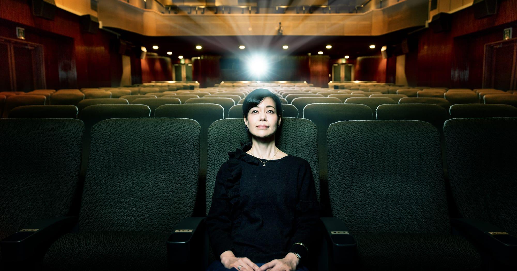 地下にある劇場「シネスイッチ1」は座席数271と広々している。ルーフバルコニータイプの2階席もあって人気だ。