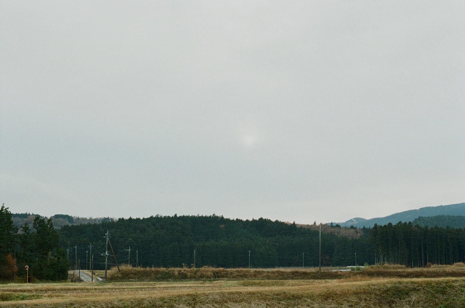 冬至イメージ。里山の風景