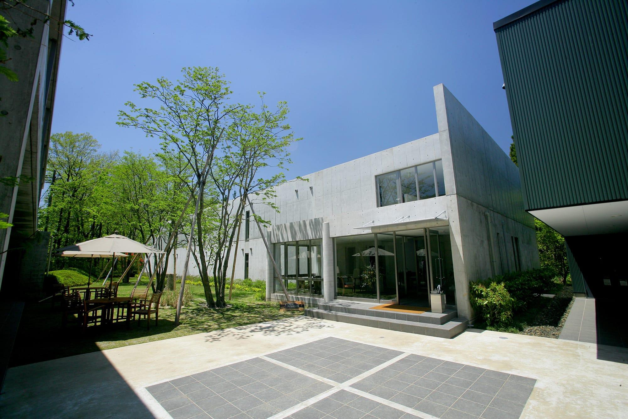 2007年にオープンした「アートビオトープ那須」。体験学習型のアートレジデンスとして、近年注目されているアーティストの滞在制作を支援する「アーティスト・イン・レジデンスプログラム」を先駆けて開催している。