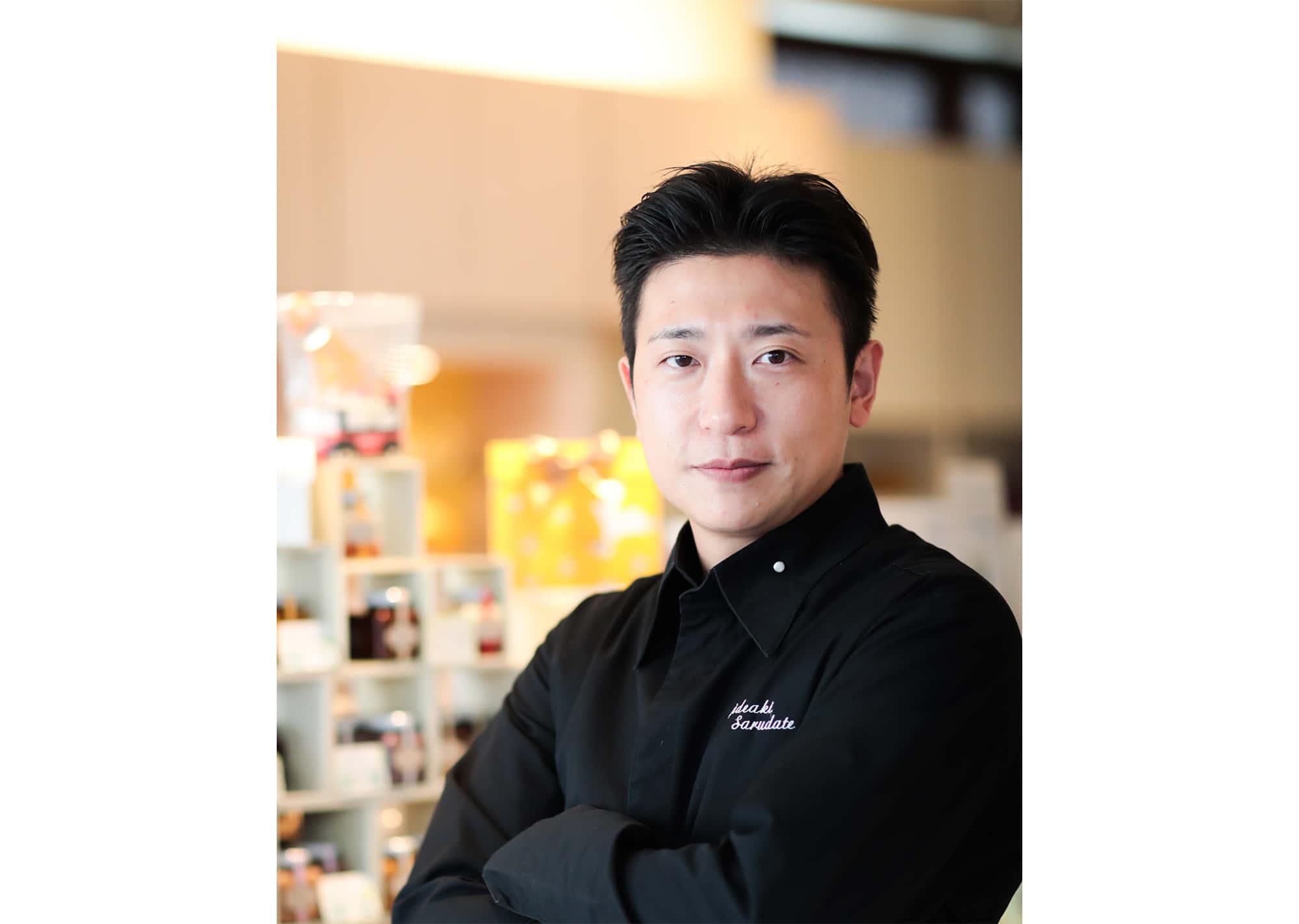 チョコレートへの情熱の高さで、日本のショコラティエの中でも一目置かれている猿舘英明シェフ。