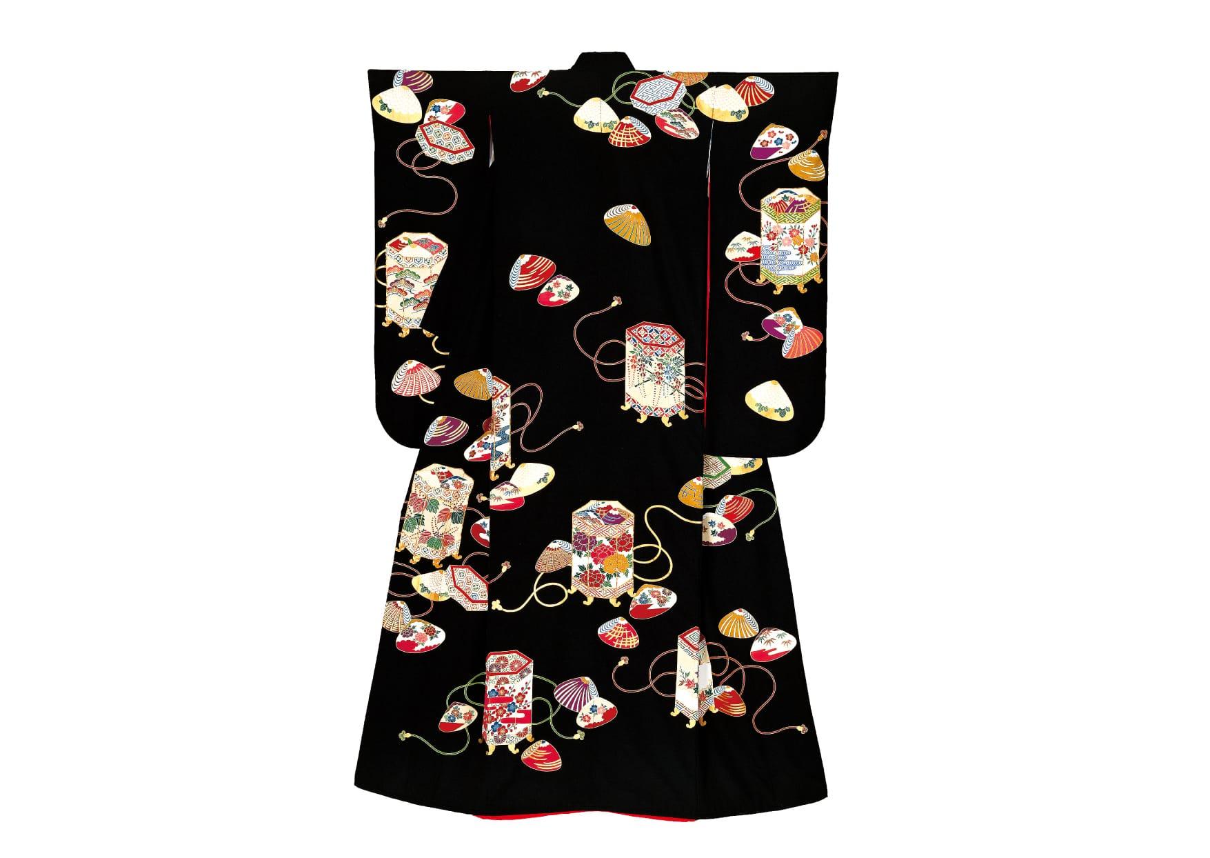 「黒地貝桶」(ハツコ エンドウ) 貝桶に描かれた四季の草花