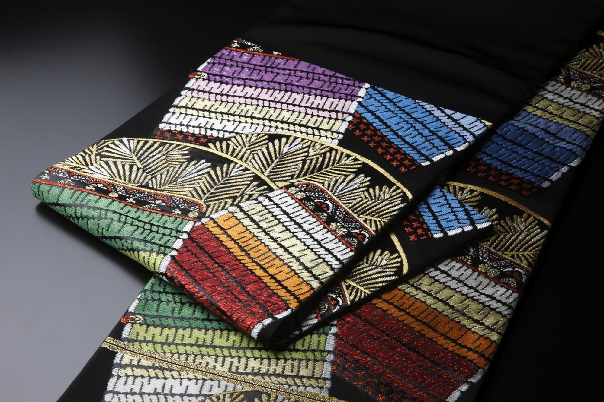 袋帯「慶賀松縅錦(けいがしょういきん)」(龍村美術織物)