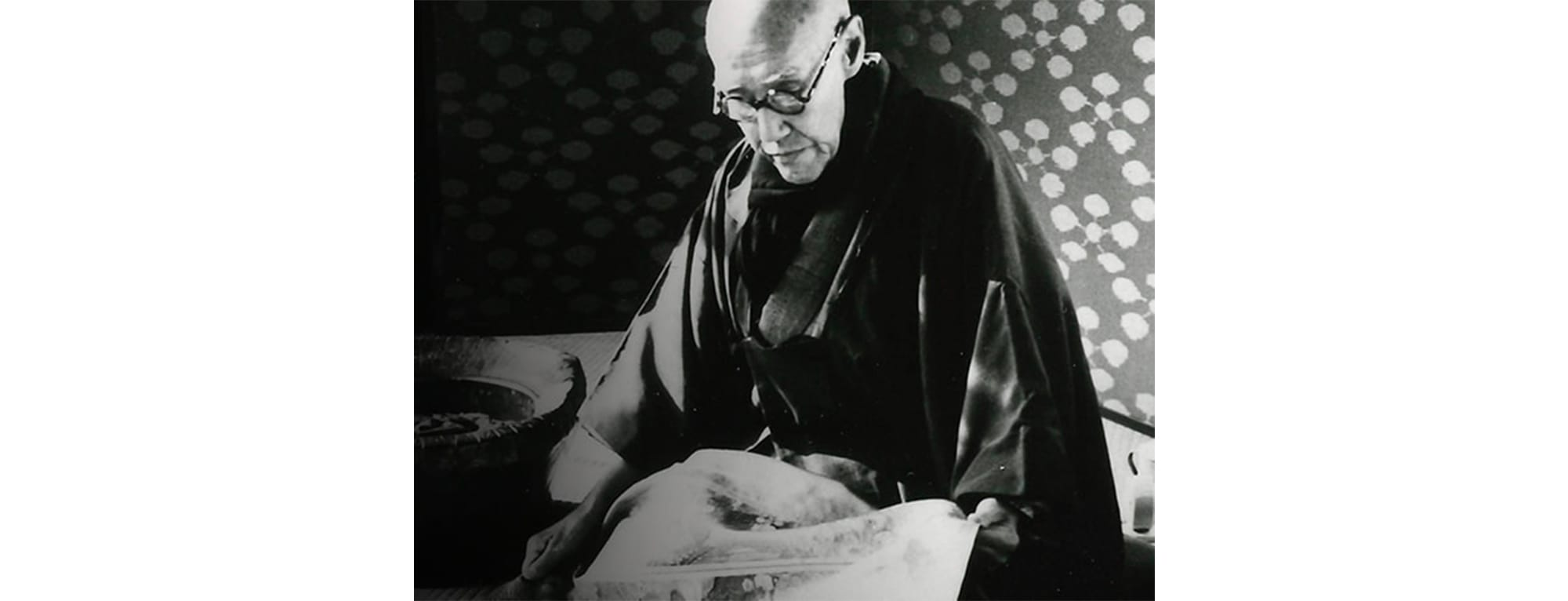 初代龍村平藏(1876〜1962)。1956年日本芸術院恩賜賞受賞。1958年紫綬褒章受章。