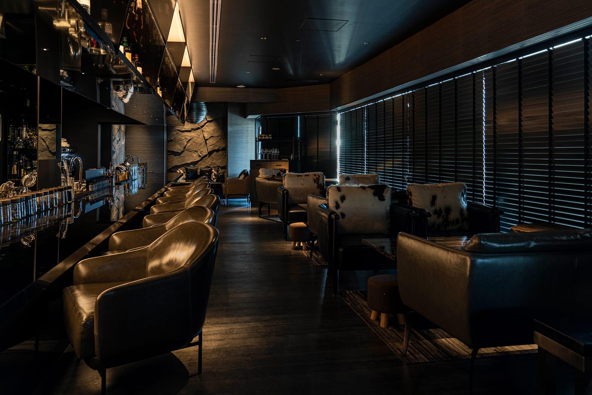 「THE GREY ROOM」は個性的なメニューや洗練された設えはもちろん、地上30m(ビルの11階)という好立地も大きな魅力だ。