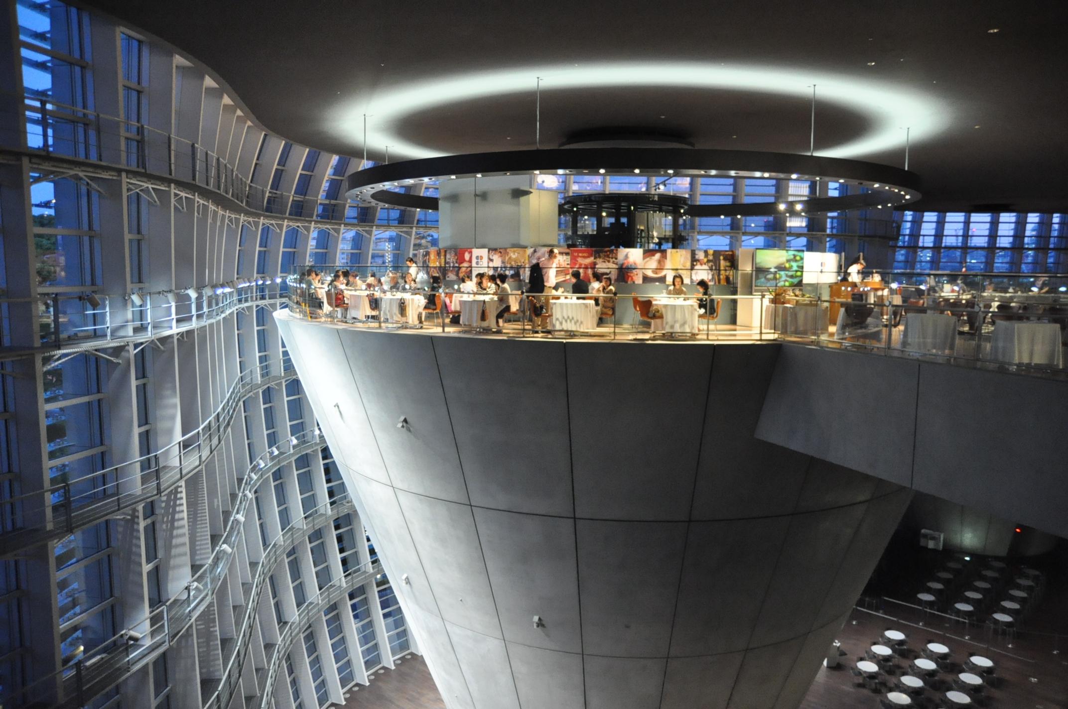 国立新美術館内ブラッスリー ポール・ボキューズ ミュゼ外観