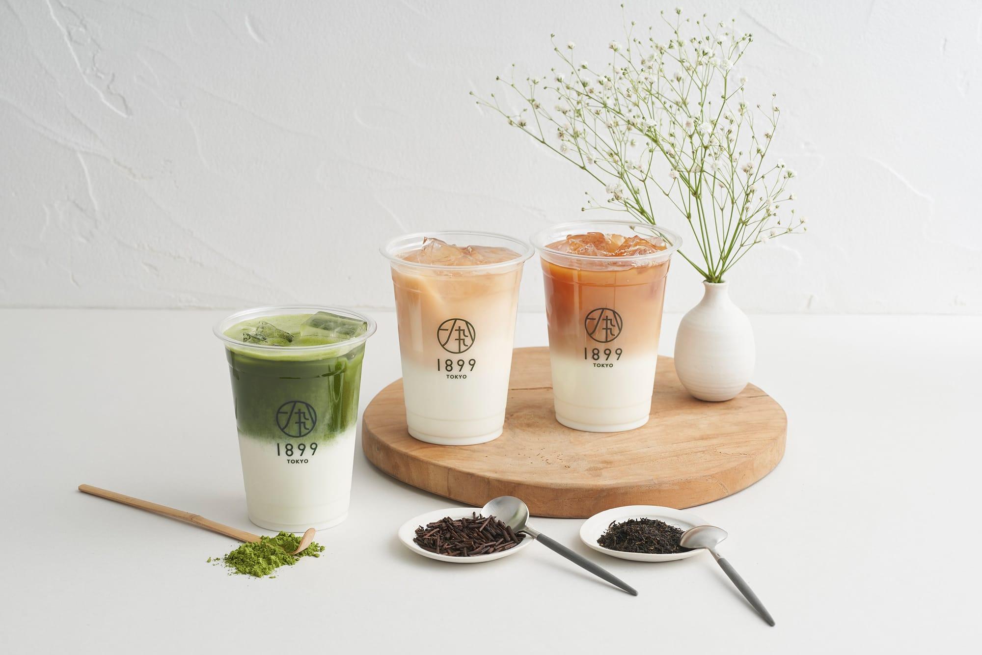 左から「濃茶ラテ」(600円〜)、「ほうじ茶ラテ(温/冷)」(500円)、「和紅茶ラテ(温/冷)」(500円)。「濃茶ラテ」は抹茶の量をお好みで注文できる。