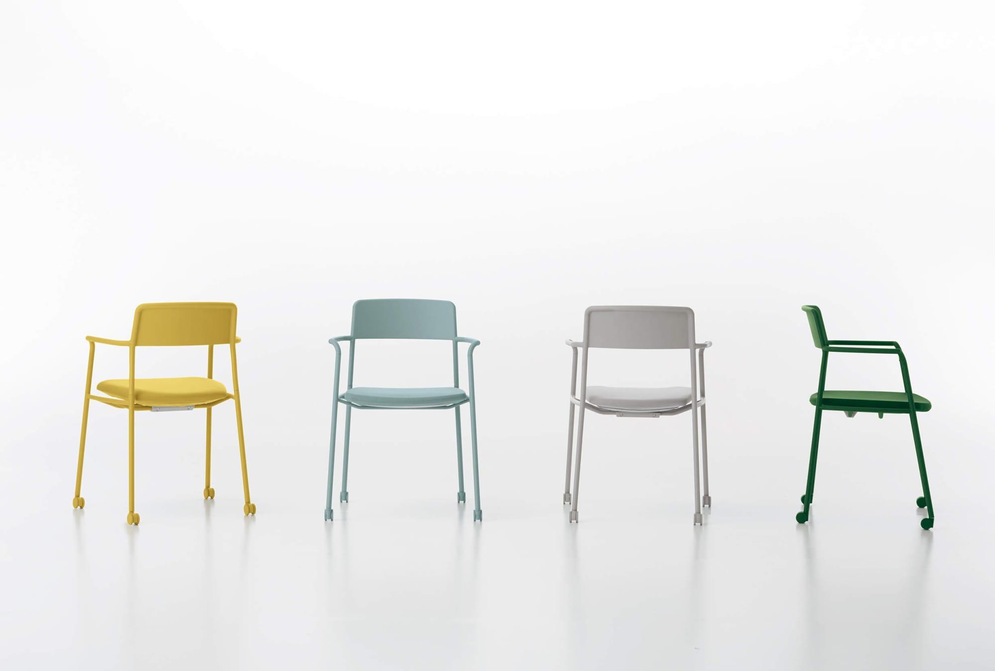 会議室用イス「Any(エニー)」。キャスターまで同色でそろえ、パステルカラーが映えるシンプルなデザイン。