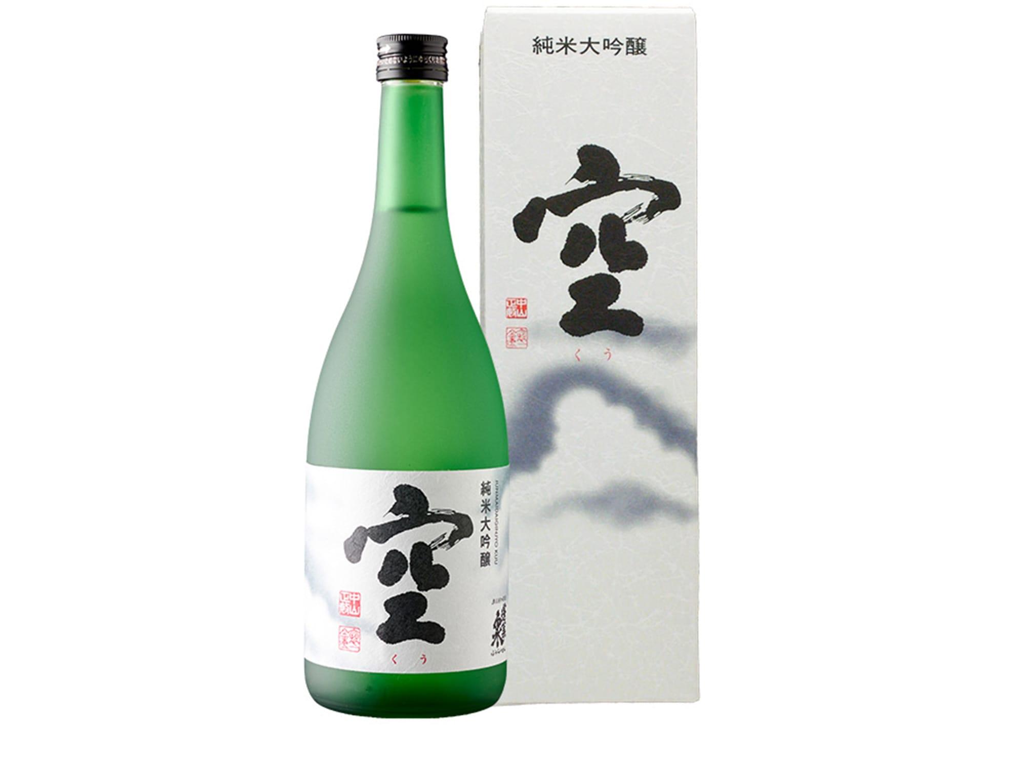 「蓬莱泉 純米大吟醸 空® くう」720ml 3,350円(税抜)