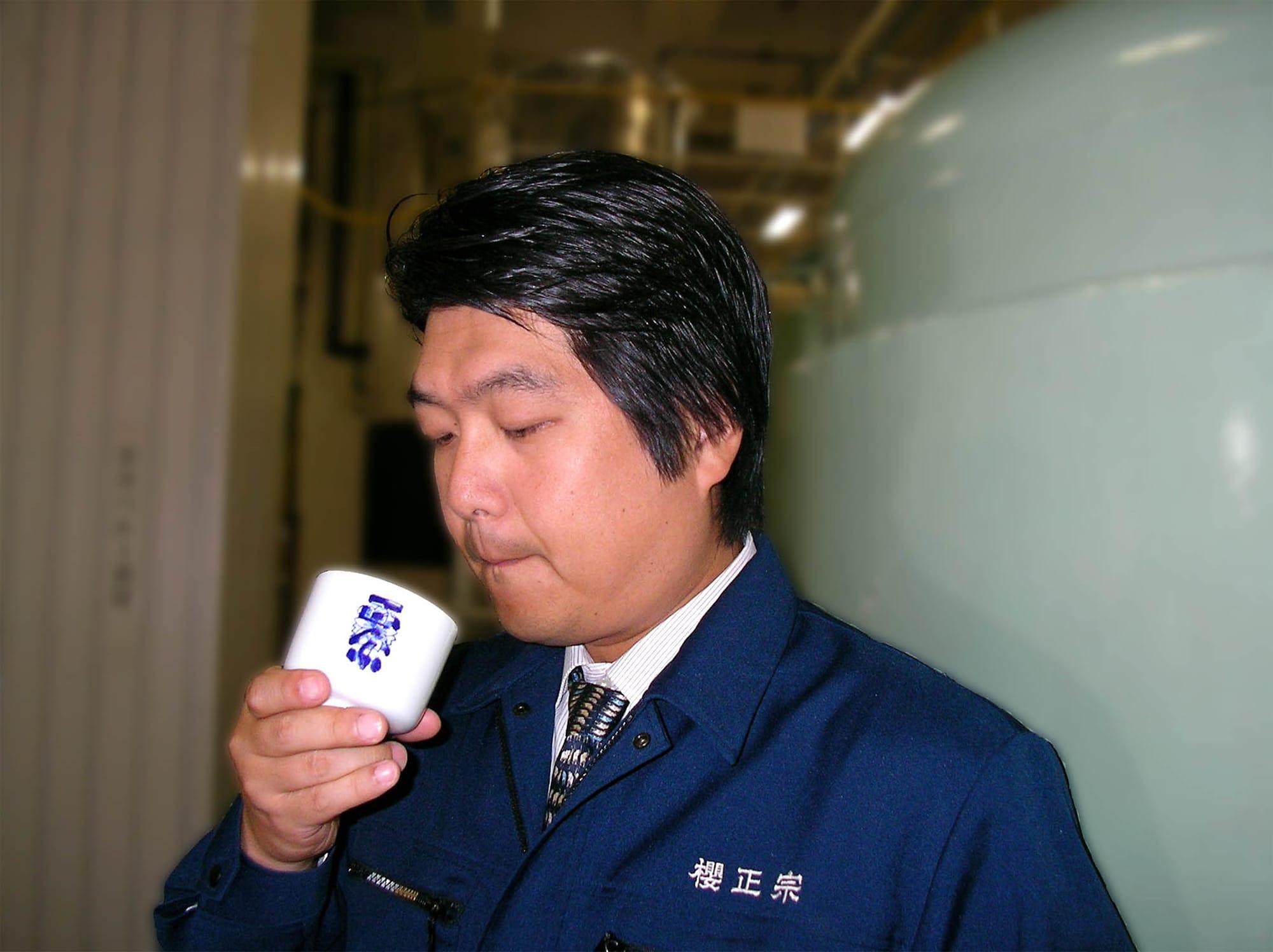 「櫻正宗は、魚崎の地酒という位置づけで考えていきたいですね。そして技を高め、品質を極めたい」と意気込む十一代目。食中酒として料理に合う酒造りを心がけているという。