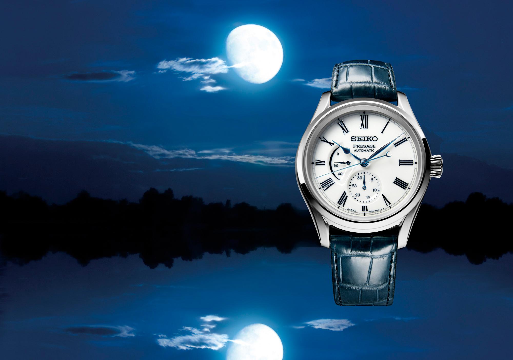 水面に映る月の情景をイメージした有田焼のメカニカルウォッチ。