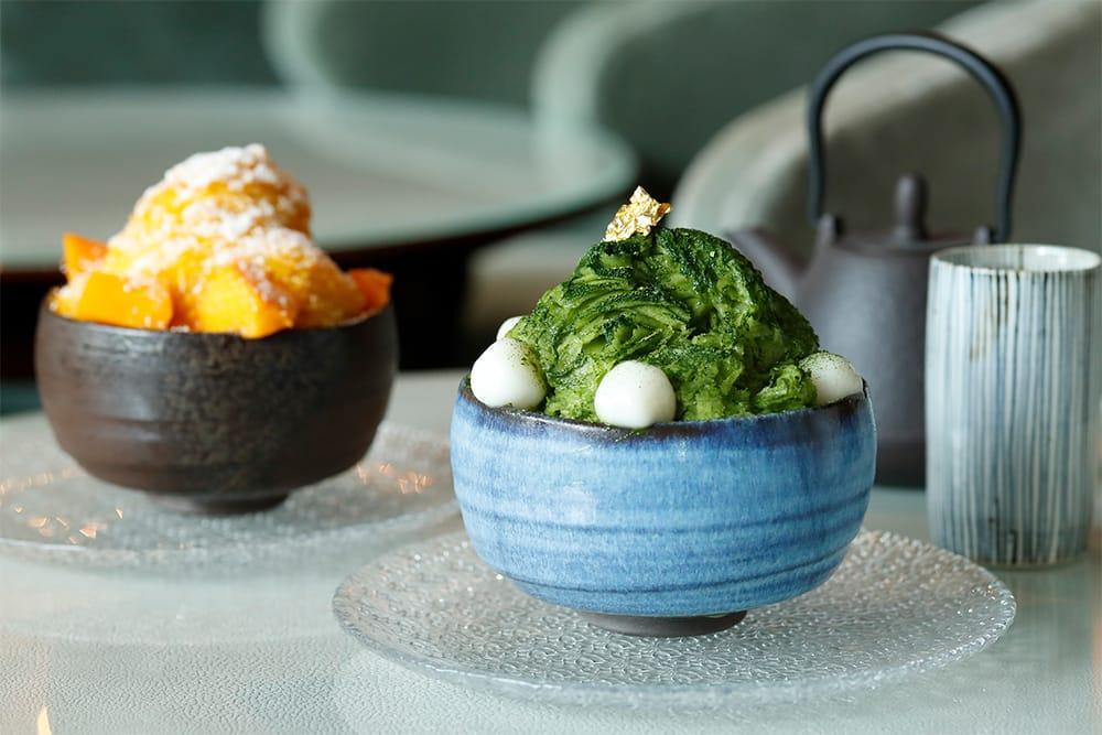 パレスホテル東京の「ザ パレス ラウンジ」では、「抹茶&あずきのシェーブアイスと白玉」など2種類のかき氷で涼を堪能できる。