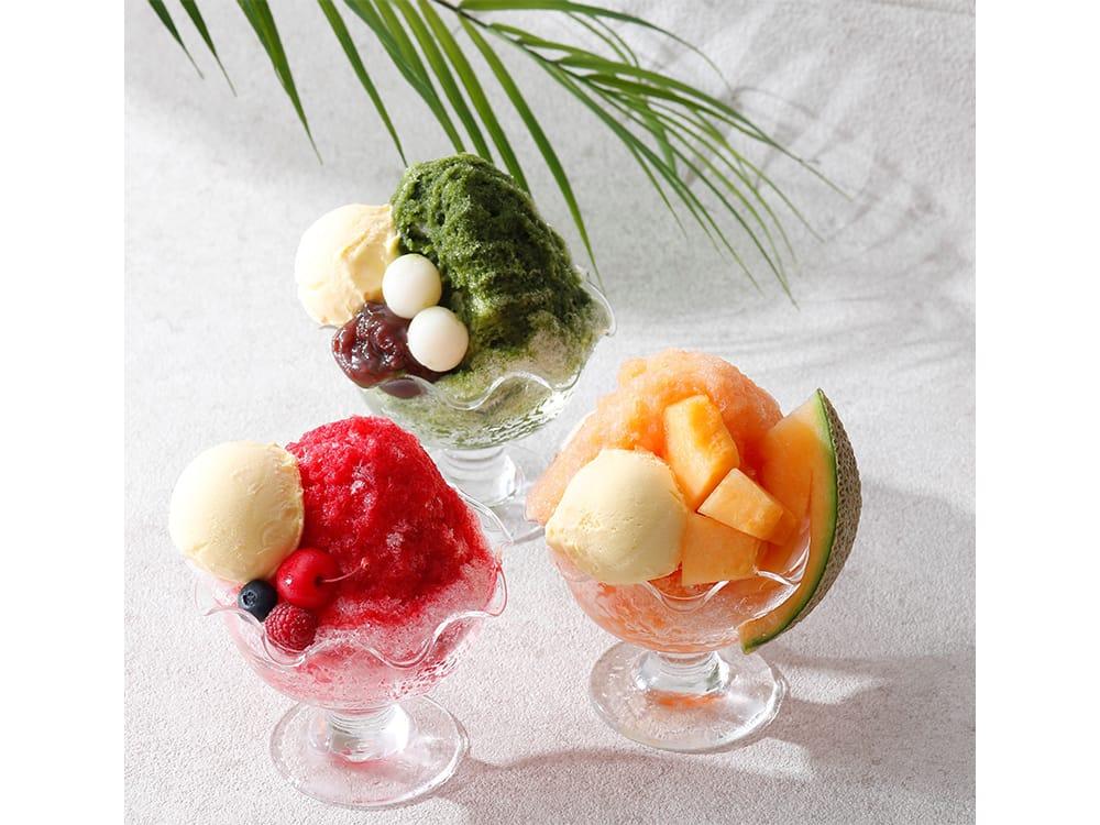 横浜のホテルニューグランド「ザ・カフェ」では、3種類全てに卵をたっぷり使ったホテルメイドのバニラアイスがトッピング。