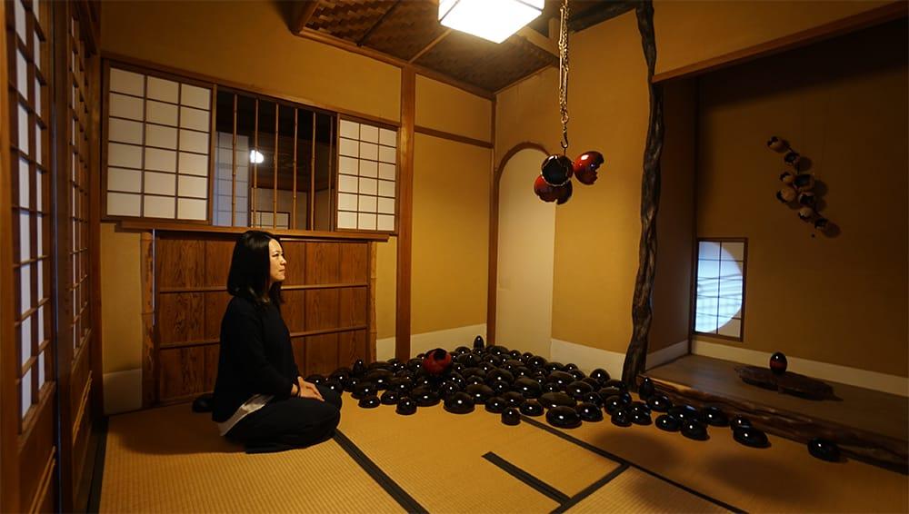 新たに加賀市内にオープンしたギャラリーでは作品だけではなく宿泊や食事を通して日本文化を体感できる。