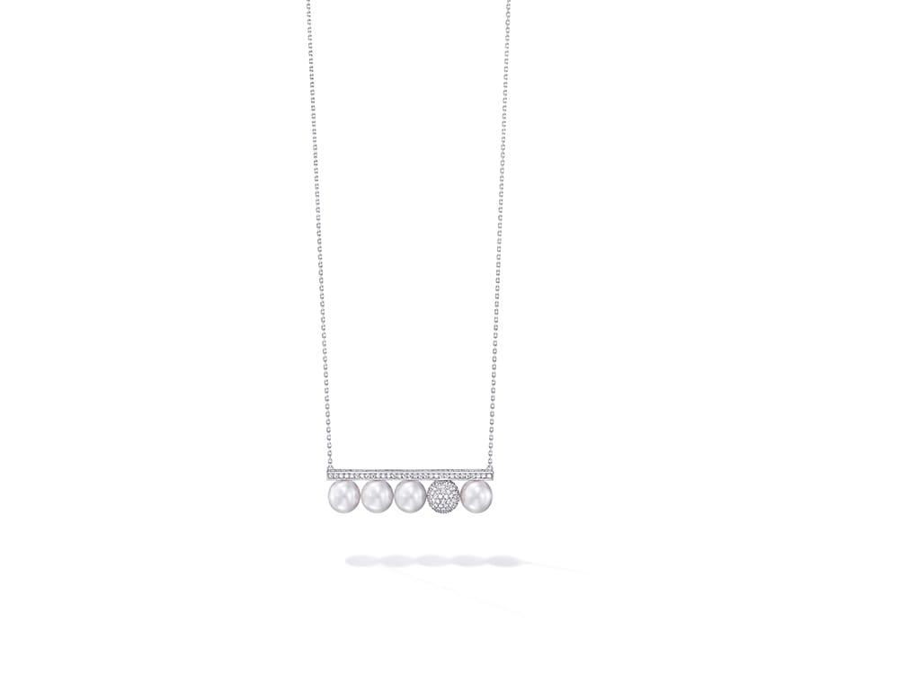バランス シグネチャー ディケイド パール アンド ダイヤモンド ネックレス 2,800,000円(税抜)