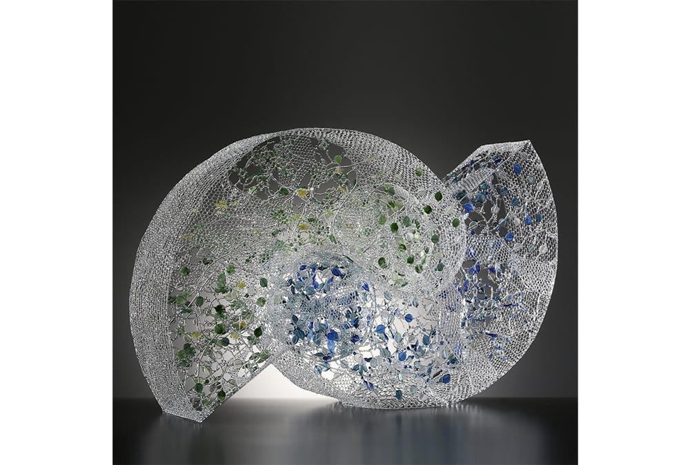 朝倉祐子のオブジェ「Harmony」。日本ガラス工芸協会「'18日本のガラス展」でJGAA賞を受賞した。Photography by Minoru Fukuda