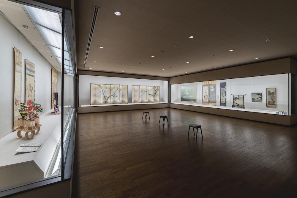 2階のギャラリーでは、千總が収蔵している2万点もの作品を通じて日本の伝統美を伝える。