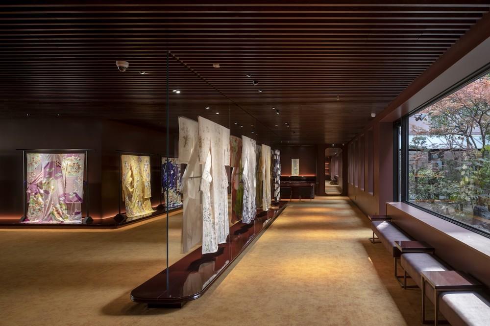 8月にオープンした京都・烏丸三条の千總本店。貴重な資料を展示するギャラリーも併設。