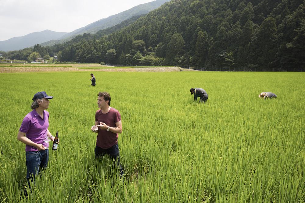 久野の招きで黒田庄を訪れた著名なシェフやソムリエは多い。写真は、当時「ル・ムーリス」のシェフであったヤニック・アレノ氏。
