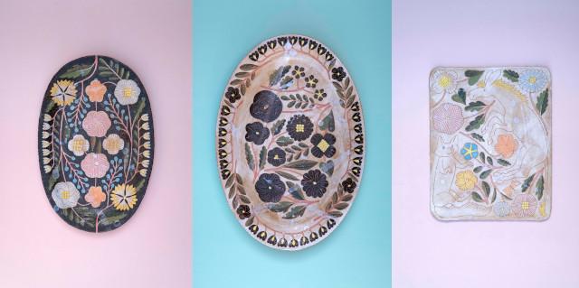 鹿児島 睦が手掛ける陶器は、黒地や白地にカラフルな彩色で自然物を描くのが特徴。