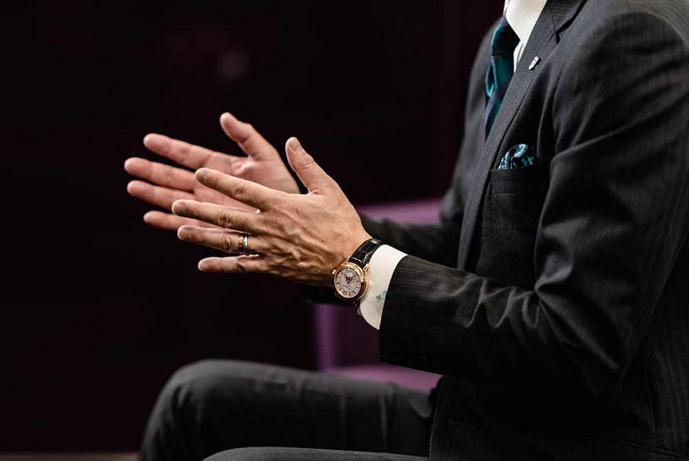 アップルウォッチも所有するが、お気に入りは機械式のアナログ時計。
