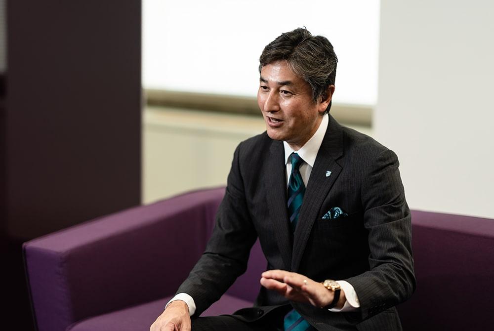 日本企業、そしてアメリカ・韓国等の外資系企業を経て、2016年フィリップス・ジャパンへ